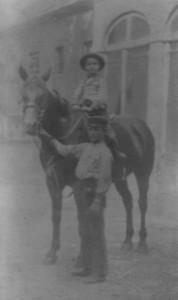 02 op paard